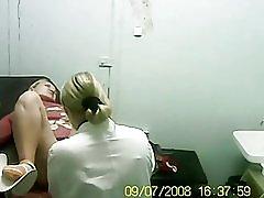 Blonde besøgte min læge.