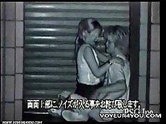 To liderlige par udendørs sex