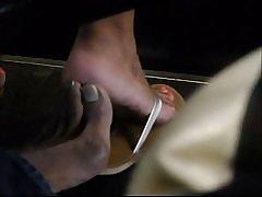 Skjulte bus footsie med smukke fødder