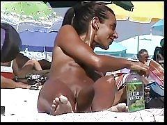Nøgen strand 9