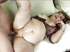 Fat granny bliver kneppet